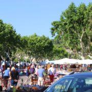 Wandern Provence-Markt in Villeneuve