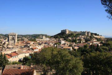 Wandern Provence, Blick auf die Schwesterstadt von Avignon