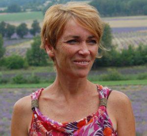 Wandern Provence, Reiseleitung Sabine bei der Lavendelblüte in der Provence