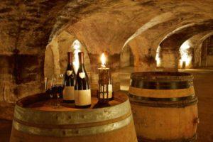 Aktives Reisen-Weinprobe im keller
