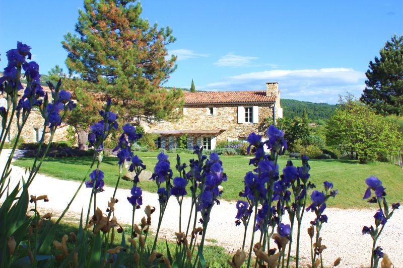 Provence Rundreise-typisches haus in der Provence