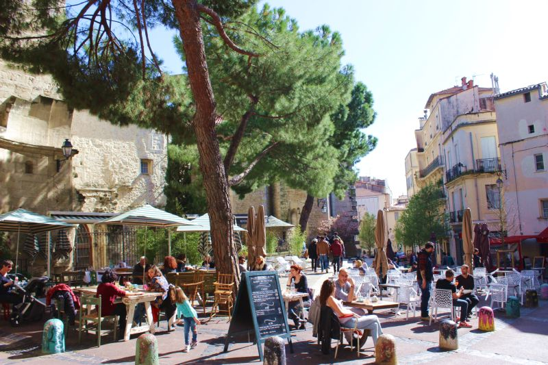Kunstreise Okzitanien-Cafe in Montpellier
