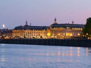 Bordeaux glänzende Lichter