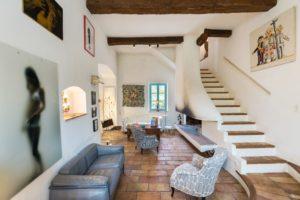 Lounge im Weingut Ihrer Provence mit Kindern Reise