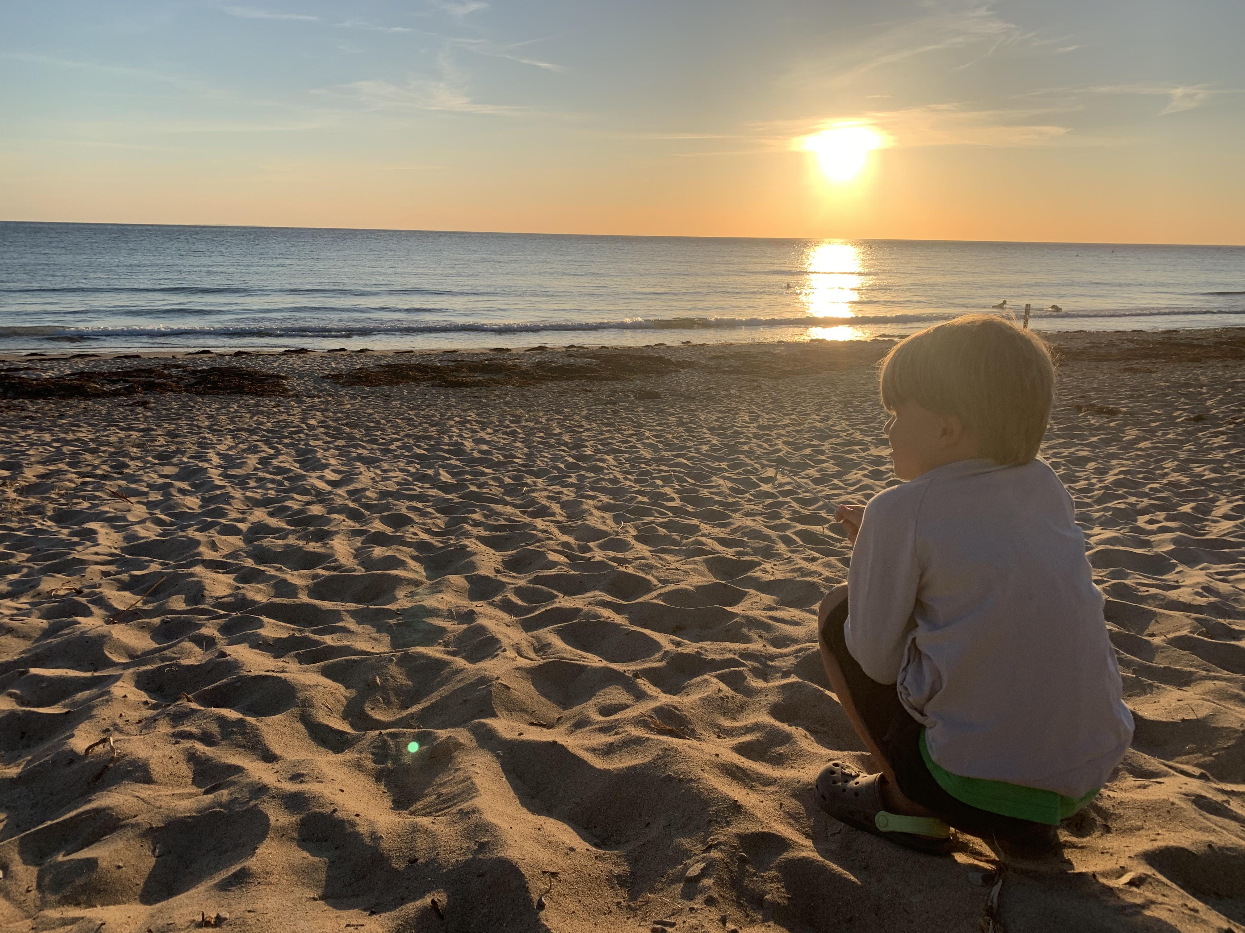 Normandie Rundreise, Sonnenuntergang am endlosen Strand