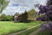Familienreise_Zufahrt zum Landhaus in Burgund